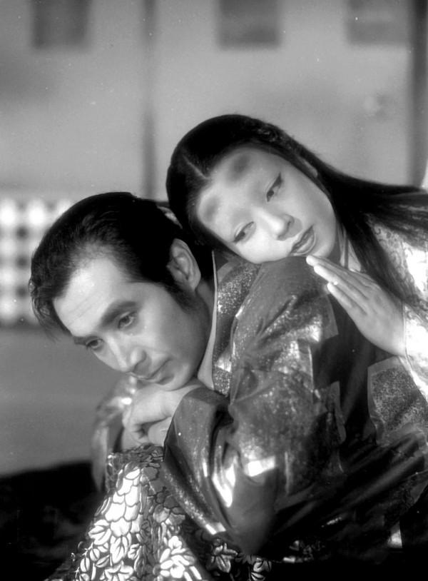 Masayuki Mori (Genjuro), Machiko Kyô (Dame Wakasa)