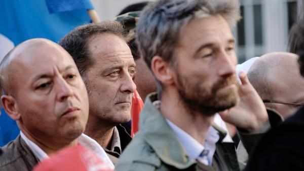 Vincent Lindon (au centre), personnages