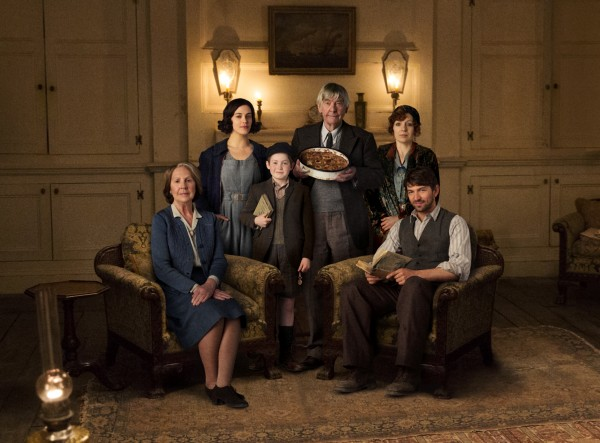 Penelope Wilton, Jessica Brown Findlay, Kit Connor, Tom Courtenay, Katherine Parkinson, Michiel Huisman