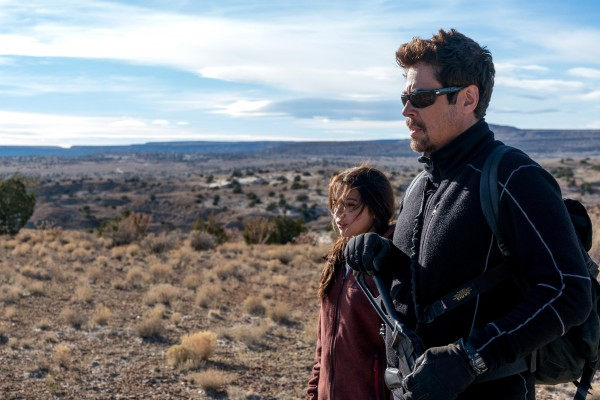 Isabela Moner, Benicio Del Toro