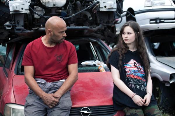 Eric Judor (Alex Dagostino), Louise Labeque (Tina Dalmerac)