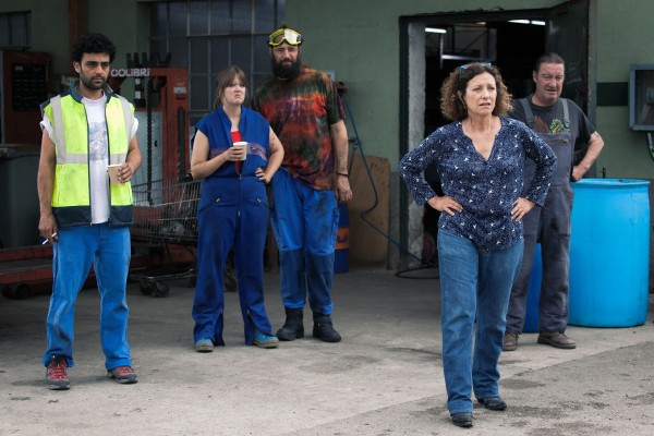 Bellamine Abdelmalek (Farid), Madeleine Baudot (Kevin), Maxence Tual (Boulon), Brigitte Roüan (Antoinette Dagostino), Philippe Duquesne (Léo)