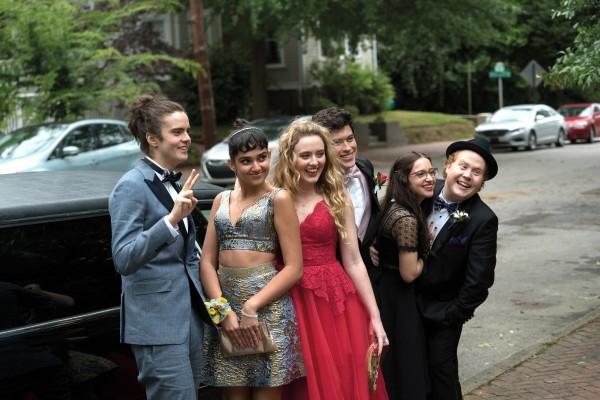 Miles Robbins (Connor), Geraldine Viswanathan (Kayla), Kathryn Newton (Julie), Graham Phillips (Austin), Gideon Adlon (Sam), Jimmy Bellinger (Chad)