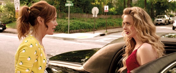 Leslie Mann (Lisa), Kathryn Newton (Julie)