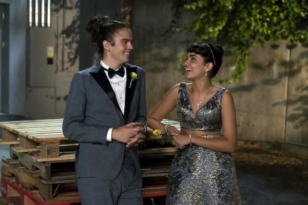 Miles Robbins (Connor), Geraldine Viswanathan (Kayla)