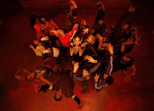 Lea Vlamos, Sofia Boutella, au centre, personnages