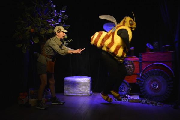 Miss Écolo contre Pestos (le roi des pesticides)