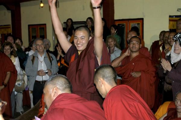 Kalou Rinpoché (au centre)