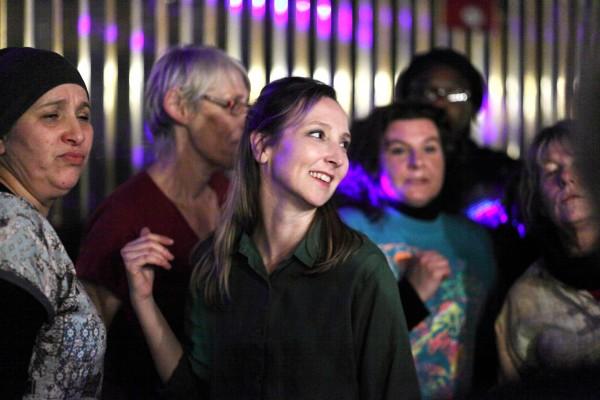 Audrey Lamy au centre, personnages