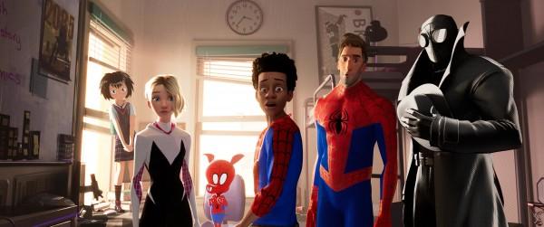 Peni, Spider-Gwen, Spider-Ham, Miles Morales, Peter Parker, Spider-Man Noir