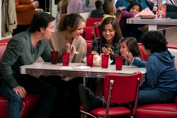 Mark Wahlberg, Rose Byrne, Isabela Moner, Julianna Gamiz, Gustavo jr. Quiroz