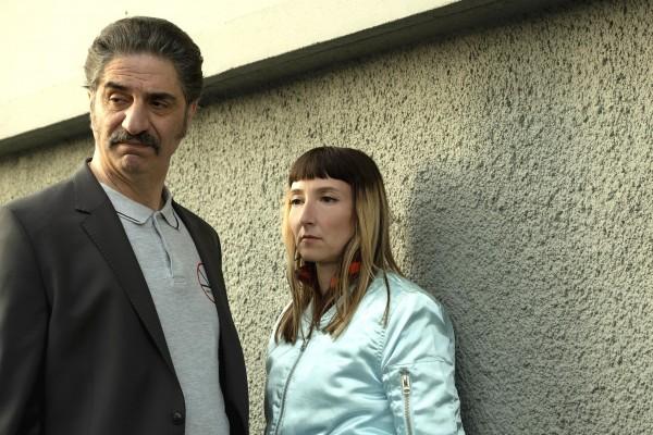 Simon Abkarian (Simon Bénéké), Audrey Lamy (Marilyn Santos)