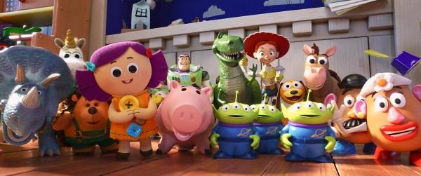 Trixie, Bouton d'or, M. Pricklepants, Dolly, Buzz l'Éclair, Hamm, Rex, Aliens, Jessie, Slinky Dog, Bullseye et M. et Mme Patate