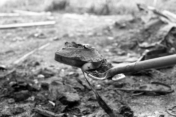 Evocation historique de la ville de Dawson City à travers des films muets et images d'archives
