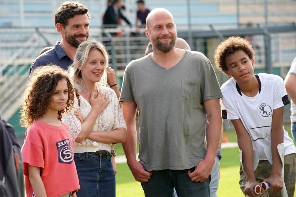 Cassiopée Mayance, Nicolas Wanczycki, Ludivine Sagnier, François Damiens, Ismaël Dramé