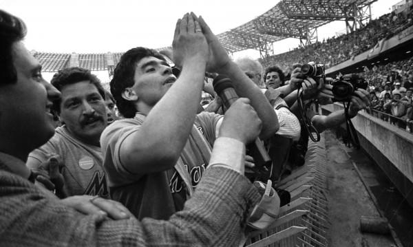 Diego Maradona au stade San Paolo à Naples