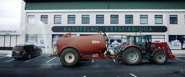 MJÓLK, La Guerre du lait, extrait