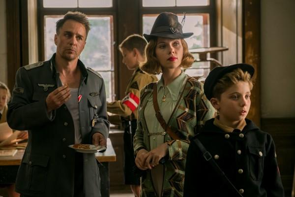 Sam Rockwell, Scarlett Johansson, Roman Griffin Davis