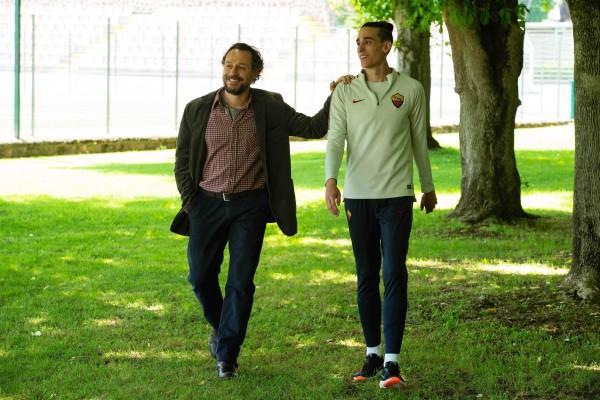 Stefano Accorsi (Valerio Fioretti), Andrea Carpenzano (Christian Ferro)