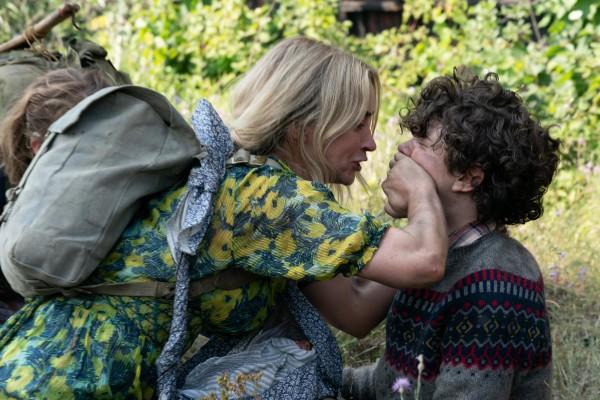Emily Blunt (Evelyn Abbott), Noah Jupe (Marcus Abbott)