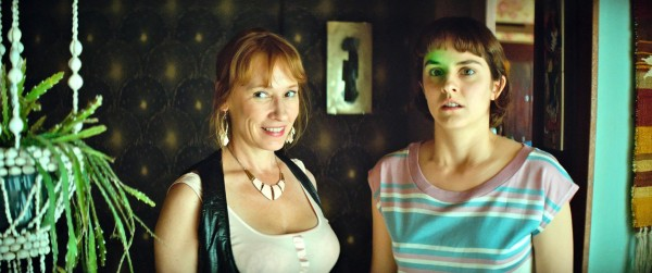 Emmanuelle Bercot (Margarette), Noémie Merlant (Jeanne)
