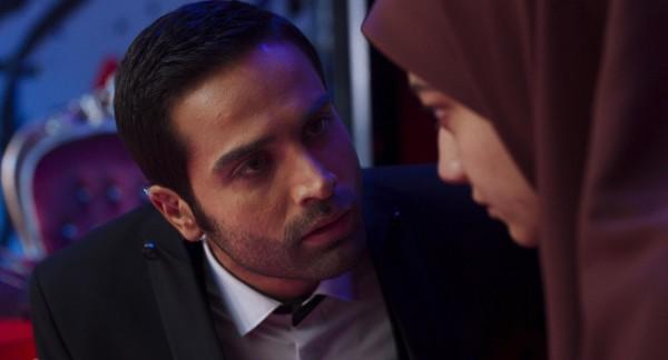 Arman Darvish (Omid), Sadaf Asgari (Maryam)