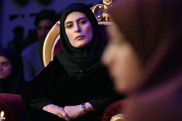 Behnaz Jafari (Mona), Sadaf Asgari (Maryam)