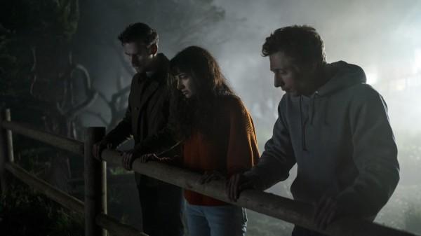 Dan Stevens (Charlie), Sheila Vand (Mina), Jeremy Allen White (Josh)