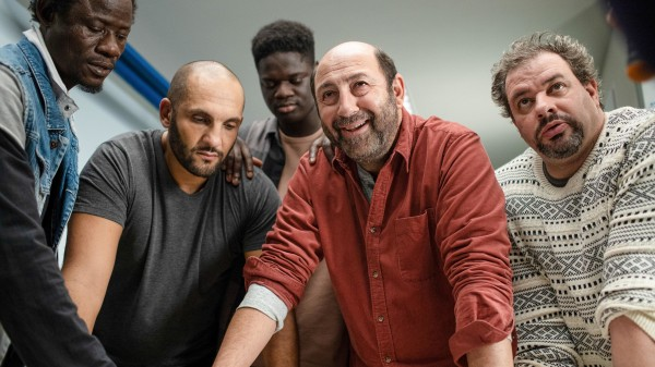 Wabinlé Nabié (Moussa), Saïd Benchnafa (Acteur), Lamine Cissokho (Acteur), Kad Merad (Etienne), David Ayala (Patrick)