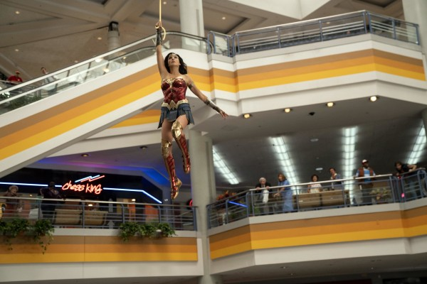 Gal Gadot (Diana Prince / Wonder Woman)