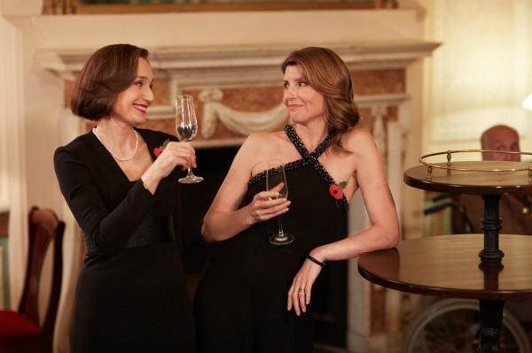 Kristin Scott Thomas (Kate Taylor), Sharon Horgan (Lisa)