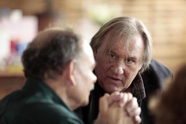 Jean-Pierre Darroussin (Rabut), Gérard Depardieu (Feu-de-Bois)