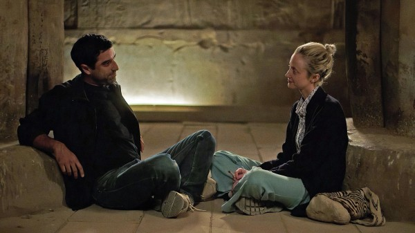 Karim Saleh (Sultan), Andrea Riseborough (Hana)