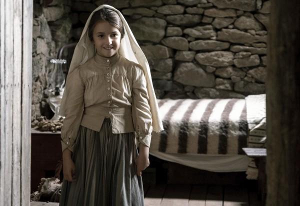 Stephanie Gil (la jeune Lucie dos Santos)