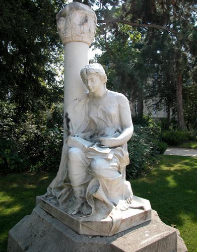 A Le Penne - Gabriel de Mortillet - Statue dédiée à Gabriel de Mortillet - Arènes de Lutèce