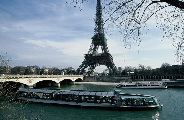 Bateaux parisiens tour eiffel paris 7e l 39 officiel - Bateaux parisiens port de la bourdonnais horaires ...