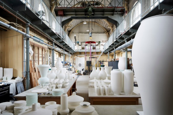 Atelier  de grand coulage de la Manufacture de Sèvres.