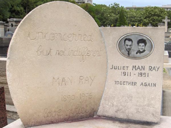 Tombe de Man Ray - Cimetière du Montparnasse