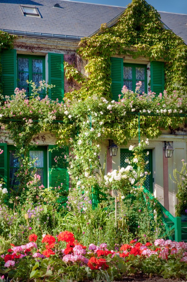 Maison de Claude Monet et géranium