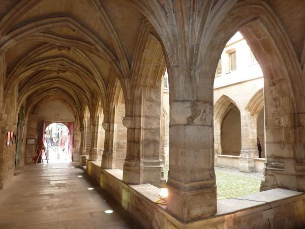 Le cloître de l'Église luthérienne des Billettes