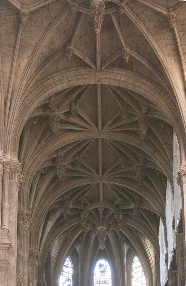 L'intérieur de l'église Saint-Eustache