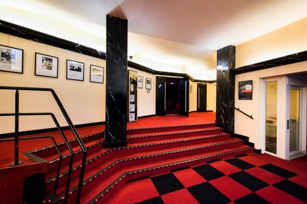 Théâtre Fontaine : le hall