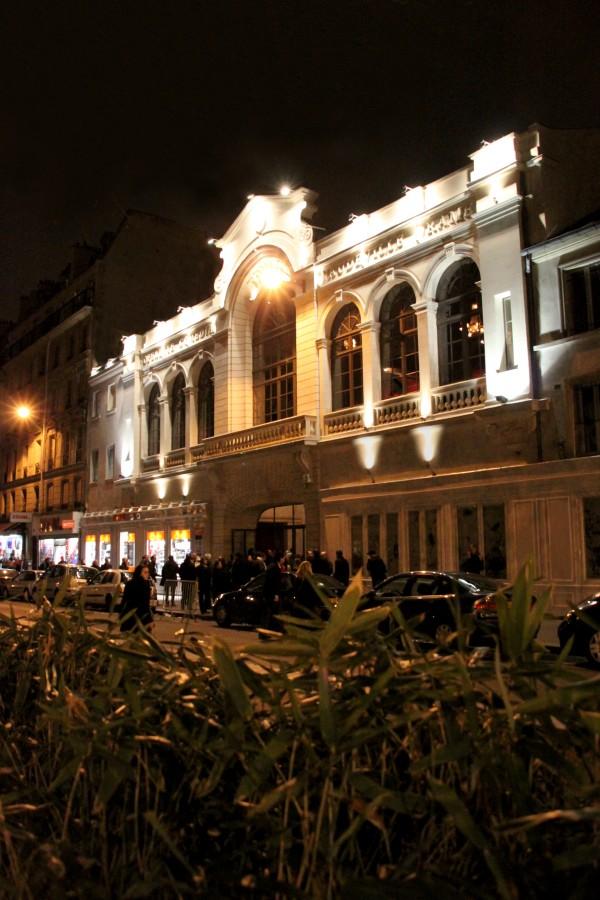 Le Trianon - extérieur de nuit