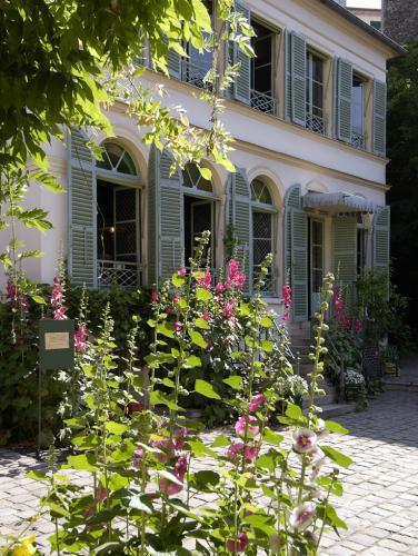 Musée de la Vie romantique (Façade avec roses)