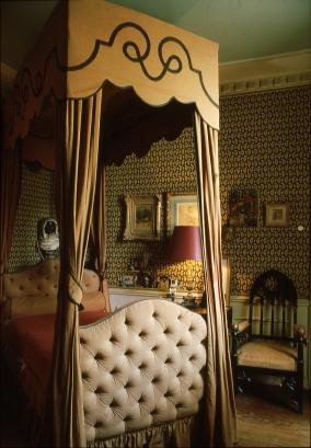 La Maison de Jean Cocteau à Milly-la-Foret, v. 1992 La chambre Photo Erica Lennard