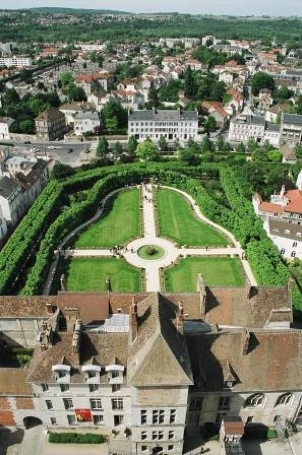 Musée Bossuet et jardin