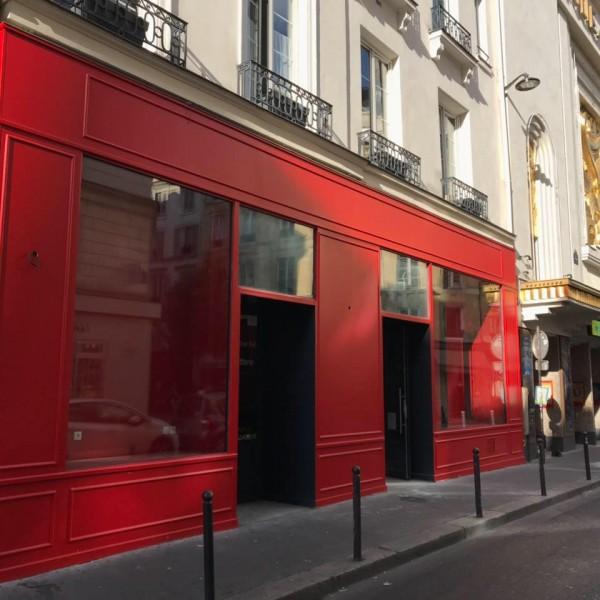 La Scène Parisienne - Façade