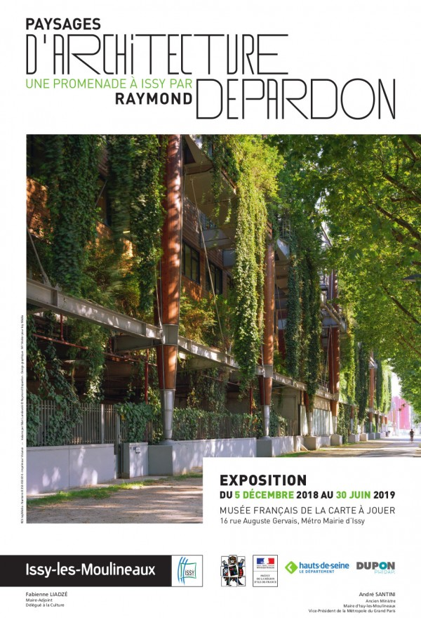 Paysages d'architecture — Une promenade à Issy par Raymond Depardon au Musée de la Carte à Jouer