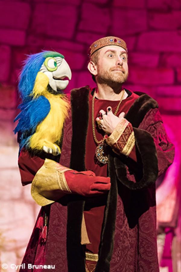 Roi et perroquet