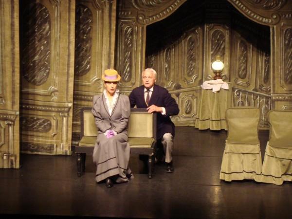 La Cantatrice chauve par la troupe du Théâtre de la Huchette